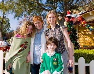 Cynthia com a família